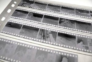 Studio Labo PHB : Développement des négatifs noir et blanc.